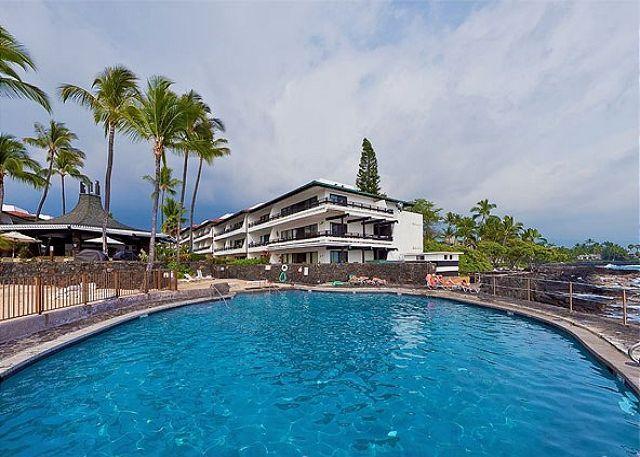 Deluxe Ground Floor Condo in Oceanfront Complex - Casa de Emdeko #110 - Image 1 - Big Island Hawaii - rentals