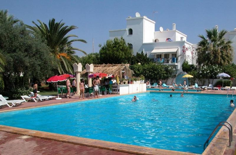 Main pool at Tavira Garden - Tavira Algarve 2-bed 2-bath A-C pools tennis WiFi - Tavira - rentals