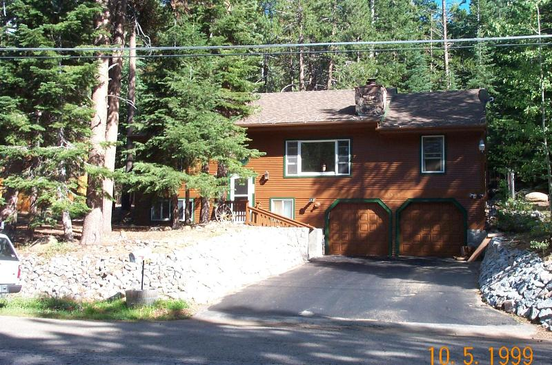 Front view - Beautiful Sierra Mountains Lake Tahoe Home - South Lake Tahoe - rentals