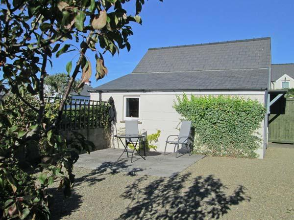 TY GWENNOL BACH, pet friendly, with a garden in Dinas Cross, Ref 3930 - Image 1 - Dinas Cross - rentals