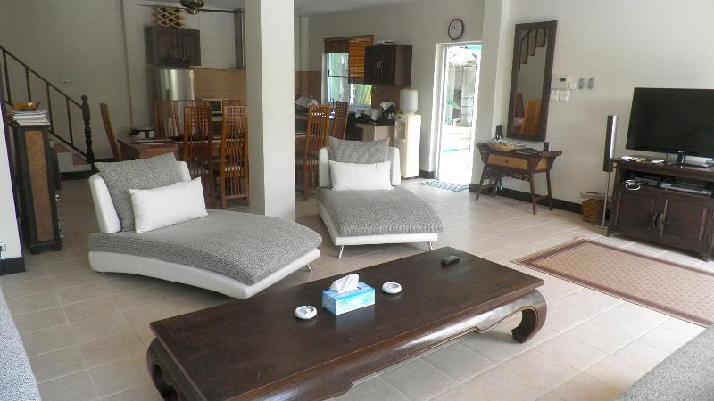 Comfortable relaxing Living Area - Spacious 4 Bedroom Private Pool Villa with Garden - Rawai - rentals