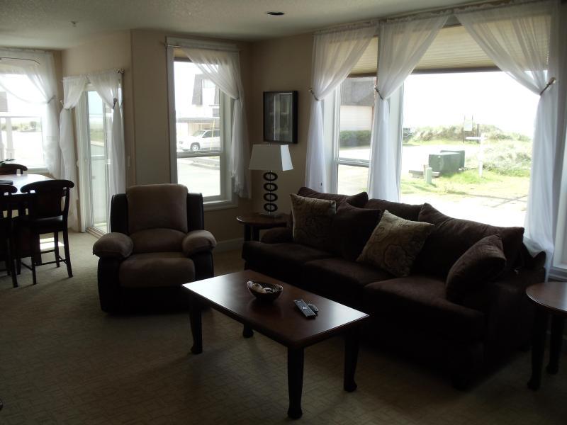 Family Room ! - Steps From The Ocean ! 2 bedroom, 2 bath Condos - Rockaway Beach - rentals