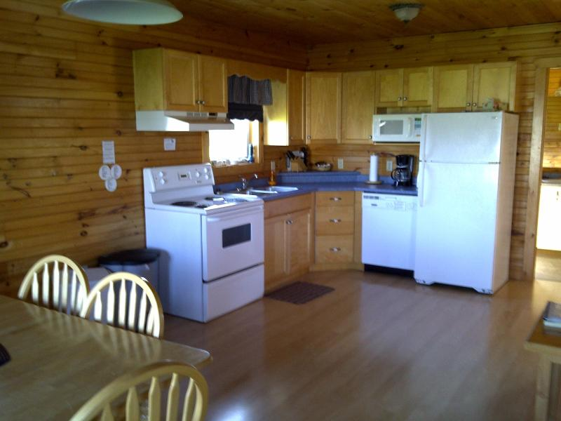 Complete Kitchens - Cavendish, Swept Away Cottages, 2 bedrm executive - Cavendish - rentals