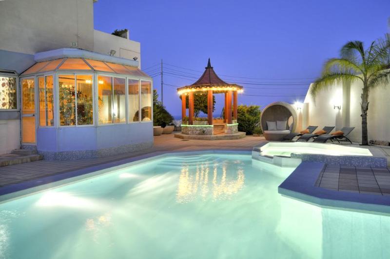 The pool - Five star private holiday villa in sunny Malta - Swieqi - rentals