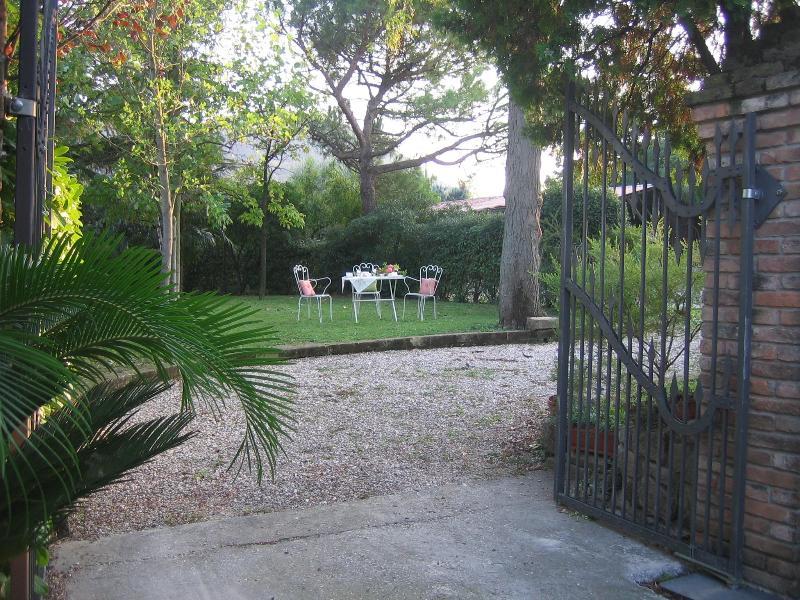Private entrance - Domus Rosarum Arquà Petrarca -Veneto-Italy - Arqua Petrarca - rentals