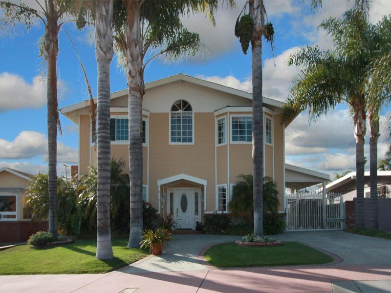 Front of House - San Clemente Luxury 5 Bed house  - walk to beach - San Clemente - rentals