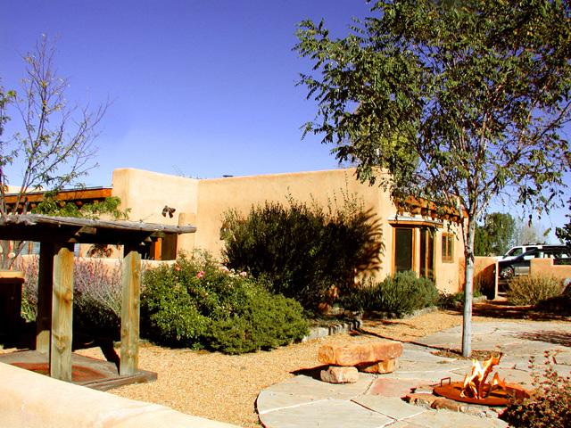 Professional landscaping includes fire pit - Beinn Bhreagh Main - Taos - rentals
