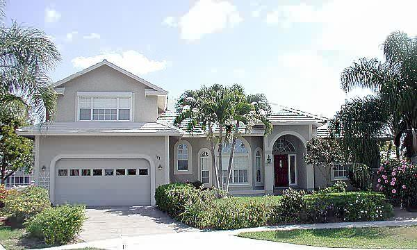 Cul-du-sac  location - Waterview and Heated Pool - room for 2 families - Marco Island - rentals