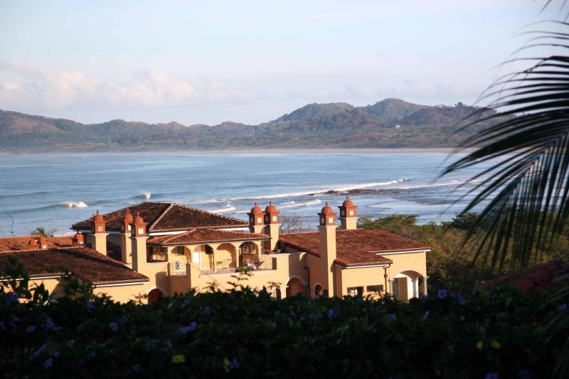 Sunrise Condominiums overlooking Tamarindo and Playa Grande Beaches - Casa de Murales- Right on Gorgeous Tamarindo Beach - Tamarindo - rentals