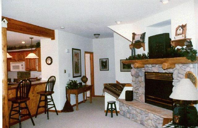 Professionally decorated with Mountain themes - Spacious 1600sq' townhm/ 2bd-3ba/ htd garage/views - Dillon - rentals