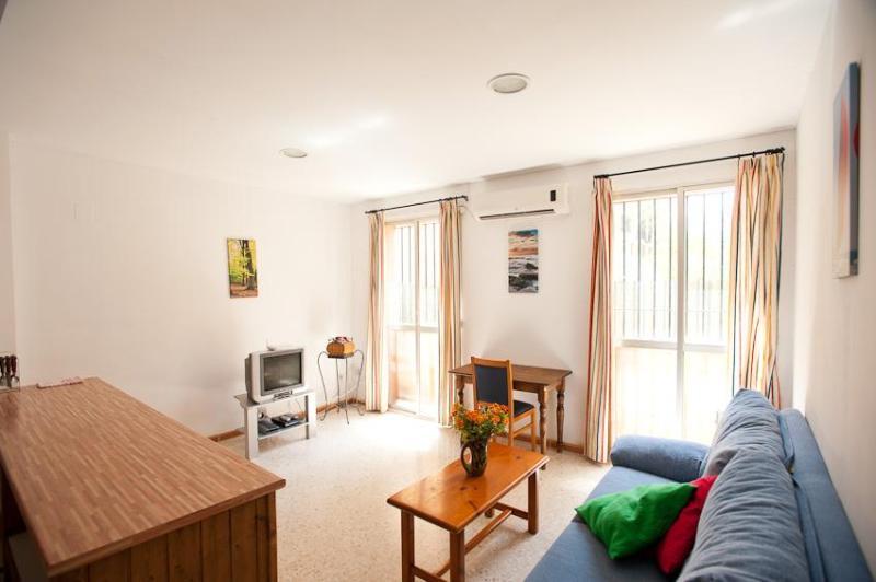 1 Bedroom Beautiful Apartment on Sevilla Center - Image 1 - Seville - rentals