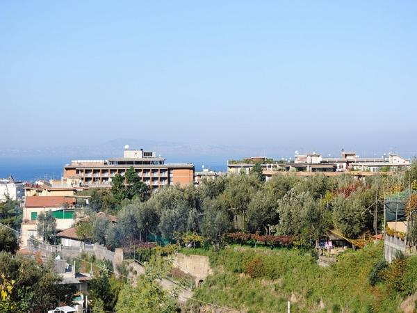 Caruso,situated in Sorrento Center, Panoramic View - Image 1 - Sorrento - rentals