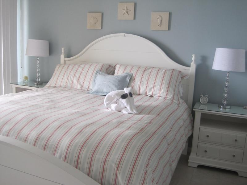 A n Elegant and Serene Master Suite to fit a king - Deal:Aug 15-22 $1293.40  +FREE Beach chair - Panama City Beach - rentals