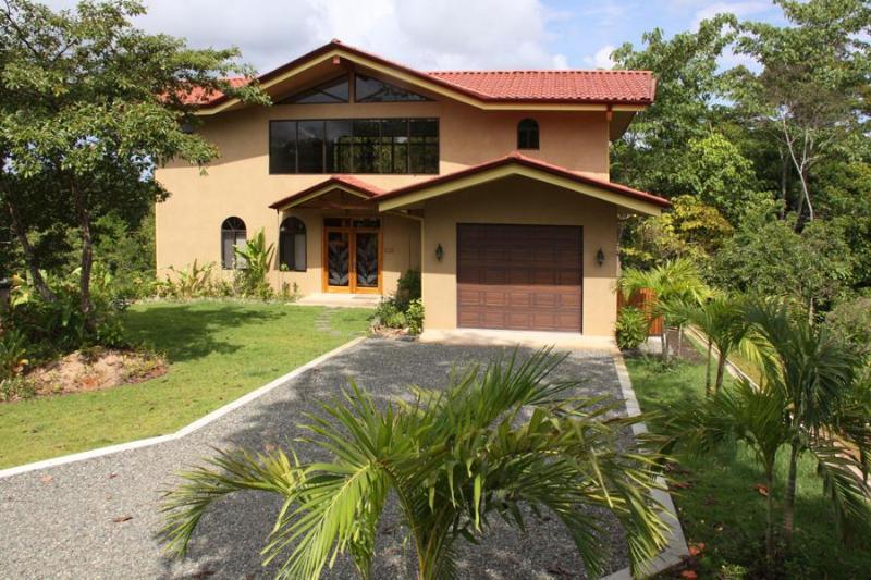 Private entry to your luxury vacation villa - Villa Vista Verde Top Vacation Rental 2012 & 2013 - Manuel Antonio National Park - rentals