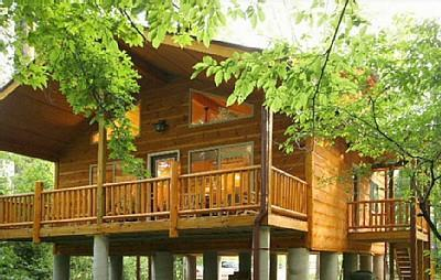 Helen Riverside Cabin Alpine Helen, Georgia on the bank of the Chattahoochee River. - Helen Riverside Cabin - Walk to Alpine Helen! - Helen - rentals