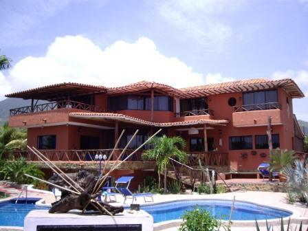 Beautiful Villa with Pool and Jacuzzi - Exclusive Caribbean Villa, Private Pool and Garden - Playa el Agua - rentals