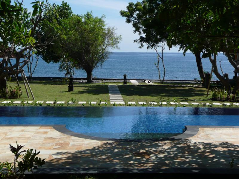 View to ocean from terrace - Villa Wilali - Peaceful Private Beachfront Villa - Pemuteran - rentals