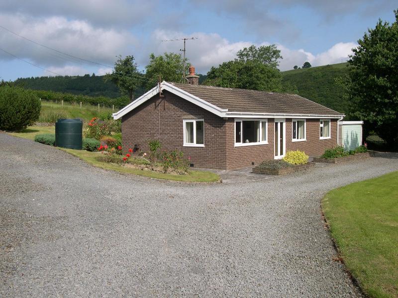 Llwynon - On- farm bungalow in beautiful, peaceful location - Aberystwyth - rentals