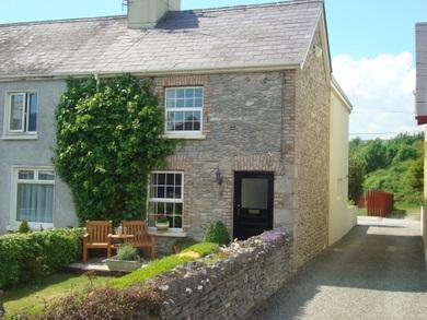 External View of Carrig Beag - Carrig Beag - Charming 2 bed Victorian cottage - Kenmare - rentals