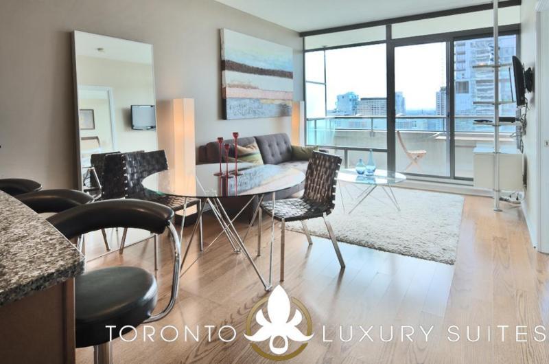 Quixotic - Luxury Exec Condo All Inclusive Toronto - Image 1 - Toronto - rentals