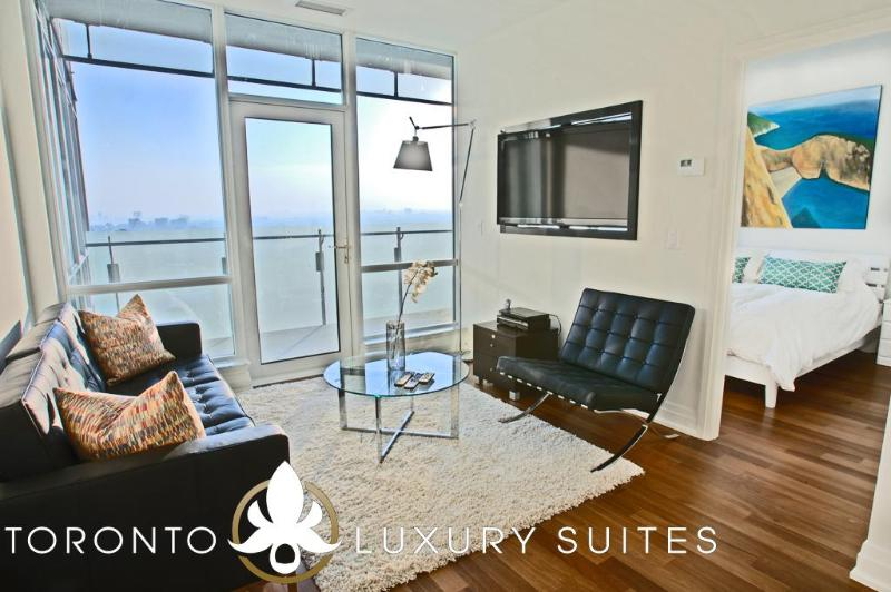 Smooth - Luxury Exec Condo All In Financial Dist - Image 1 - Toronto - rentals