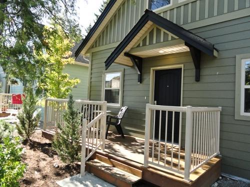 Lavishly Appointed Vacation Home  Vancouver Island - Image 1 - Parksville - rentals