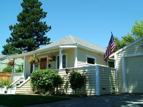 Front View, Historic Home in Old Town Napa - Old Town Napa Valley Gorgeous home, totally redone! - Napa - rentals