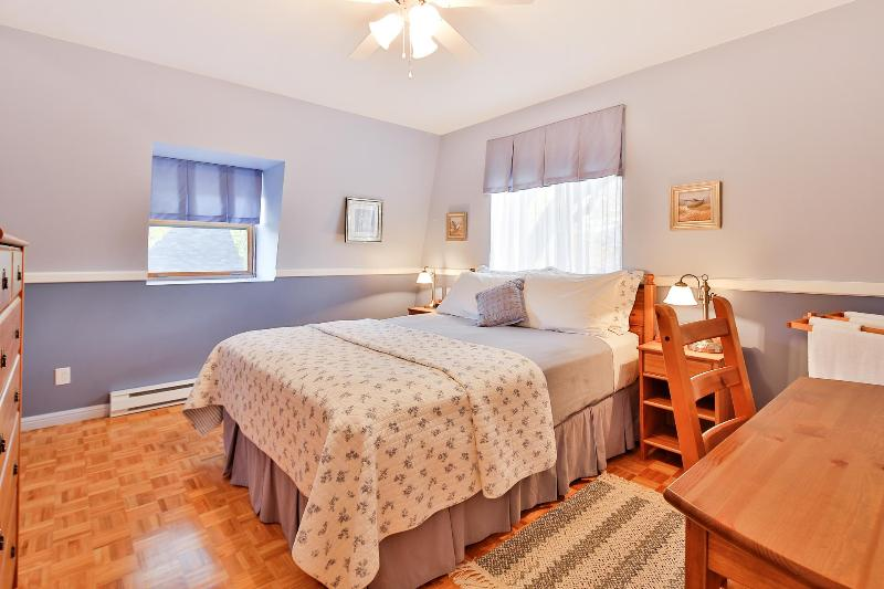 Rent 4 stars house in Montreal for memorable stay - Image 1 - Montreal - rentals