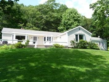 Front view of Sailors Delight - SAILOR'S DELIGHT | BOOTHBAY MAINE | SALT WATER RIVER | FLOATING DOCK & HEATED POOL! - Boothbay - rentals