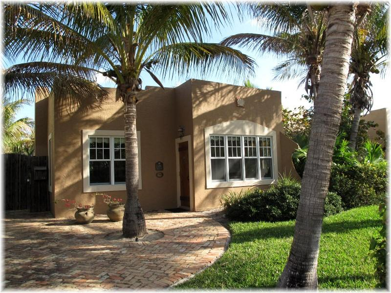 Casa Coco -Summer Vacation in Paradise - Image 1 - West Palm Beach - rentals