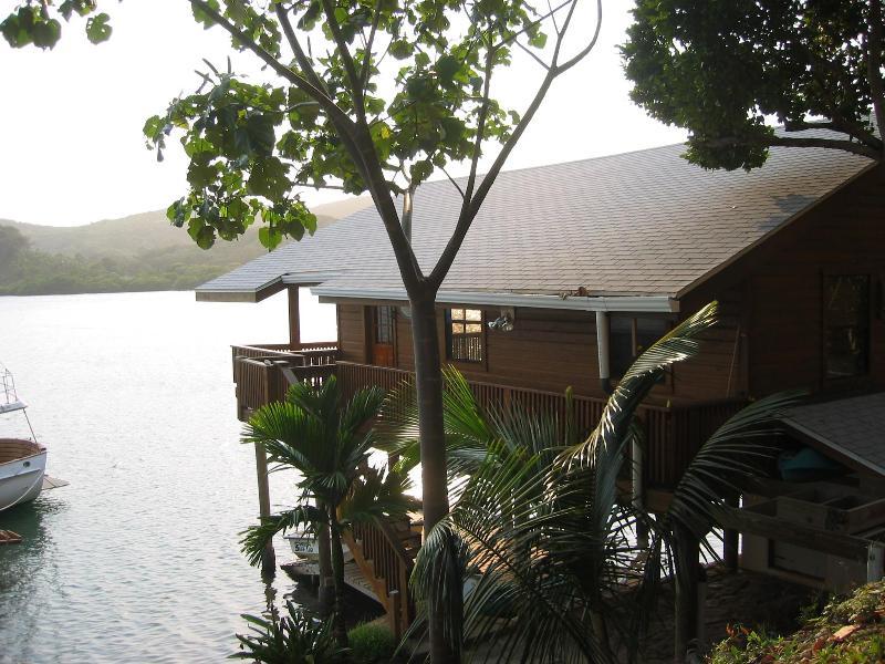 Lush Tropical Surroundings - Snorkel. Kayak. Dive. FIVE STAR AWARD WINNER! - Roatan - rentals