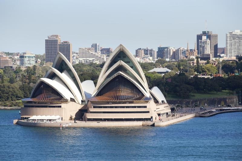 View from Balcony.... reach out and touch it! - Luxury  Sydney Harbour View 4 bed Apartment - Kirribilli - rentals