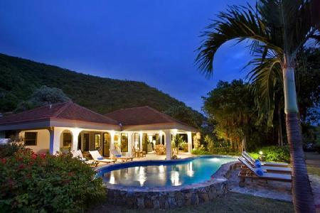 Family friendly Villa On The Beach offers ocean views, pool, shared tennis court and watersports - Image 1 - Mahoe Bay - rentals