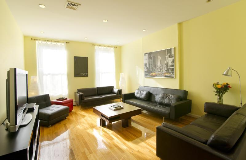 3 Bedroom Duplex - Duplex: 3 Bedroom for 1 to 10 Guests - New York City - rentals