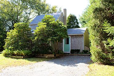 429 - LOVELY COTTAGE CONVENIENTLY LOCATED TO LAMBERT'S COVE BEACH - Image 1 - West Tisbury - rentals