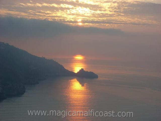 Casa Saveria -  terrace + spectacular sunrise-view - Image 1 - Praiano - rentals