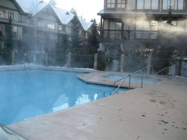 Large pool and hot tub to relax sore muscles after a day on the mountain. - Madlene and Carsten Rathsack-Lazarian - Whistler - rentals