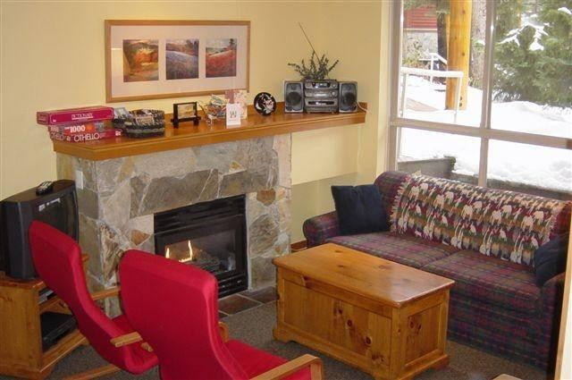 Cosy Living Room with Fireplace - The Tan's Whistler Residence - Whistler - rentals