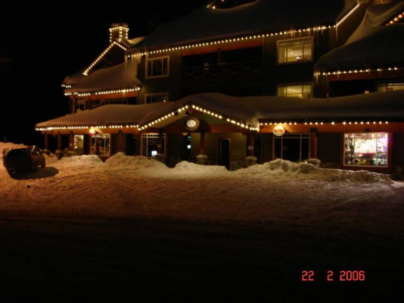 front view of Trappers Crossing - Glen and Kerrie Mehmet - British Columbia - rentals