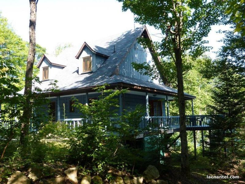 Privately located, nestled in the trees - this is the perfect getaway! - Beautiful Lac Nantel - Quebec - rentals