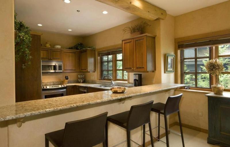 Kitchen - SKI-IN/SKI-OUT LUXURY HOME ON WHISTLER MOUNTAIN - Whistler - rentals