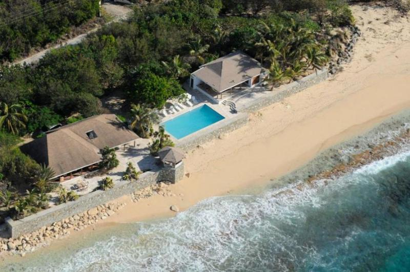 Villa Blue Beach, Baie Longue, Terres Basses, St Martin... - BLUE BEACH VILLA... comfortable villa on a fantastic soft, white sand beach! - Baie Longue - rentals