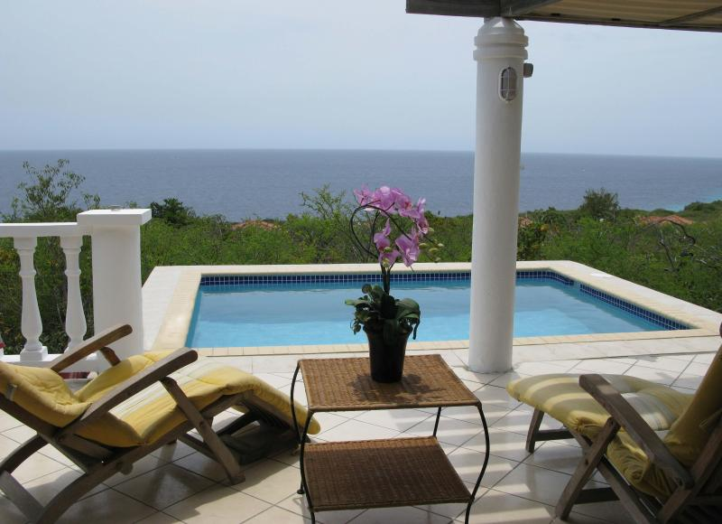 P5 - YOU ARE HERE...so are the views, breezes, sunsets... - El Pueblo 5 sunsets from pool closest to the beach - Curacao - rentals