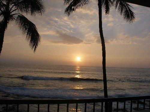 Sunset view from Lanai - Sunsets & Surfers - Kona Reef Ocean Front Unit - Kailua-Kona - rentals