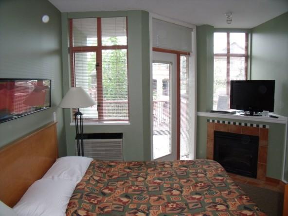 The Alpenglow offers comfort and elegance to bring you a truly unforgettable vacation getaway. - Dan Heisler - Whistler - rentals