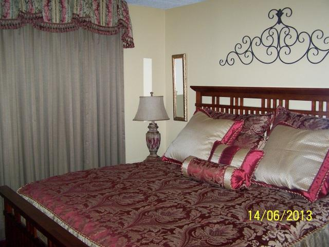 Master Bedroom with King Bed - Oak Square-1 Bedroom Condo (201) - Gatlinburg - rentals
