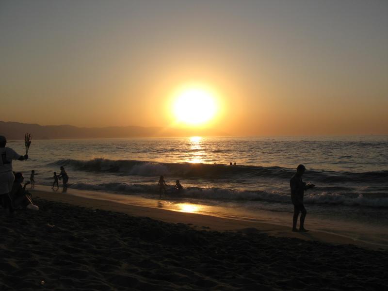 Sunset on Playa los Muertos - Casa del Paraiso, 1 bedroom condo above Old Town - Puerto Vallarta - rentals