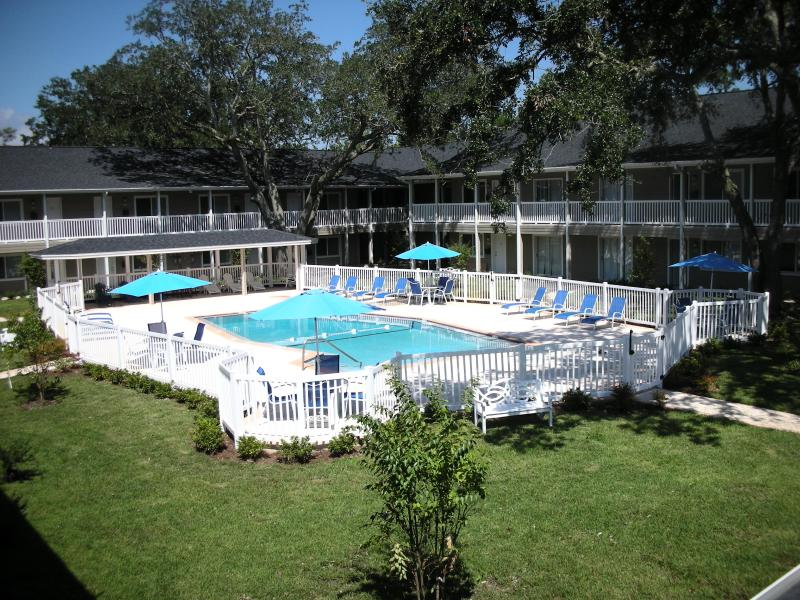 Pool Courtyard - Resort Look~The Feeling of Home Pets Included FREE - Jacksonville - rentals