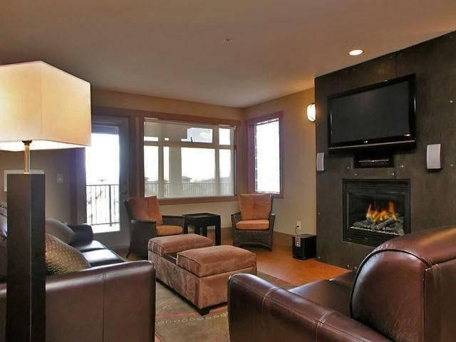 Elegance and luxury in our spacious living area. - John and Lesley Vickerstaff - Big White - rentals