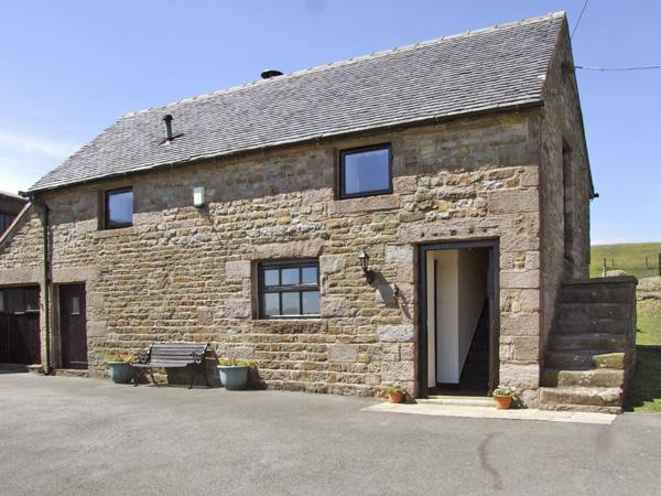 DOWNSDALE COTTAGE, family friendly, country holiday cottage, with a garden in Quarnford And Flash, Ref 4190 - Image 1 - Buxton - rentals